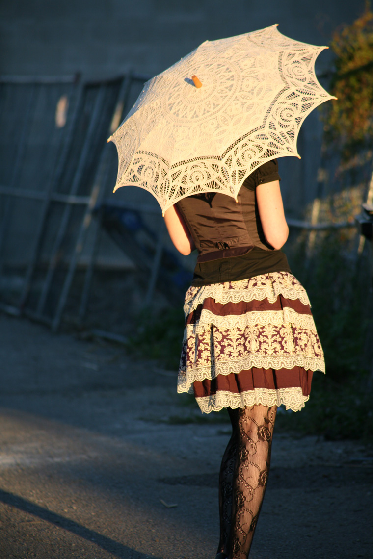 lauren steampunk umbrella from behind